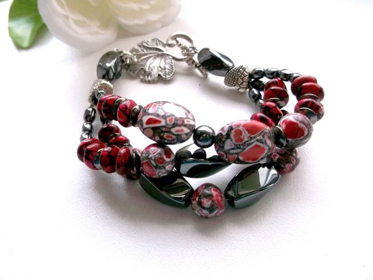 Red white mosaicturquoise and hematite chunky bracelet