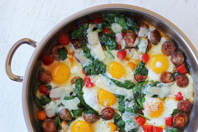 Λουκάνικα με Αυγά και Σπανάκι | Always Hungry