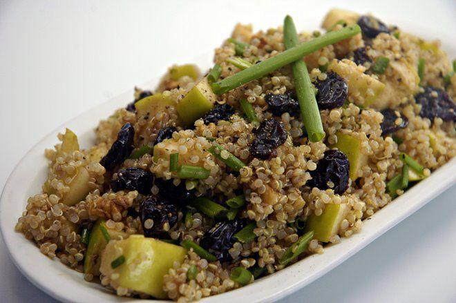 Quinoa apple salad: Easy Quinoa, Apple Salad Recipes, Apple Recipes, I Am Happy, Food, Cooking Quinoa, Veggies Side Dishes Salads, Quinoa Recipes Easy