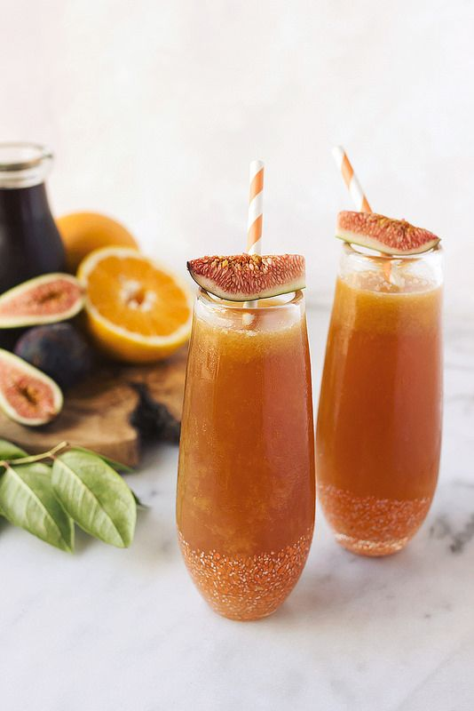 When Figs Fly // Spiced Rum Fig Kombucha Cocktail - Tasty Yummies