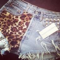 Ohhg myyy goddd!: Studs, Cheetahs Shorts, Clothing, Leopards Prints, Animal Prints, Denim Shorts, Jeans Shorts, Cheetahs Prints, High Waist Shorts