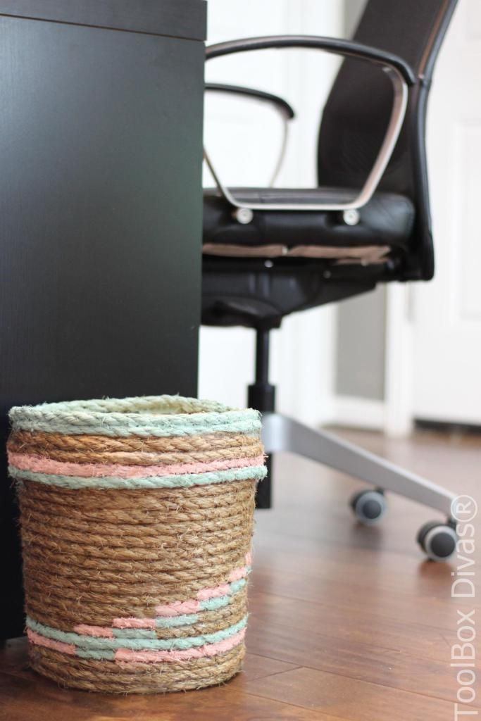 How to  Tutorial make a rope trash basket or trashcan using an old bucket #Upcycle #Repurpose #DIY @ToolboxDivas via @Toolboxdivas Waste bin #trash #trashcan #rope #ropebasket #QUIKRETE #restorationhardware #anthropologie trash can