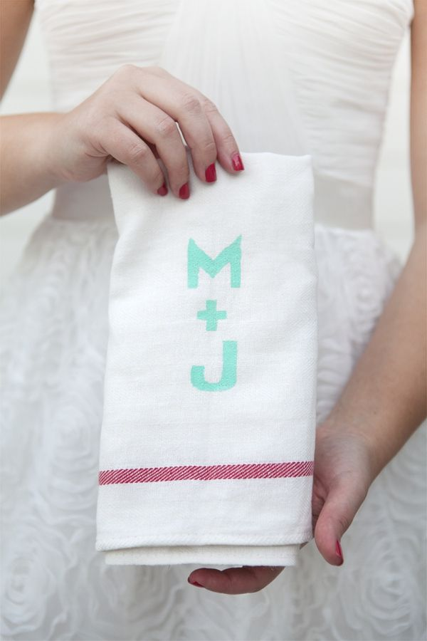 DIY wedding | How to make your own custom silk screen to print darling 'tea towel' for your home. #somethingturquoise #diy #bride