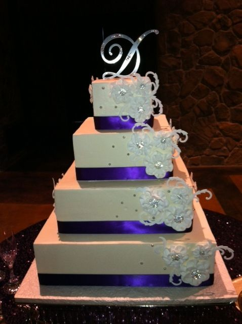 17 Best Square Wedding Cakes Images On Pinterest Square