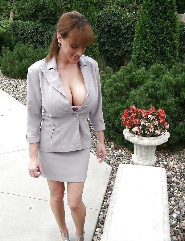 Busty Milf In Short Skirt Maturemilfmomscougars-2430