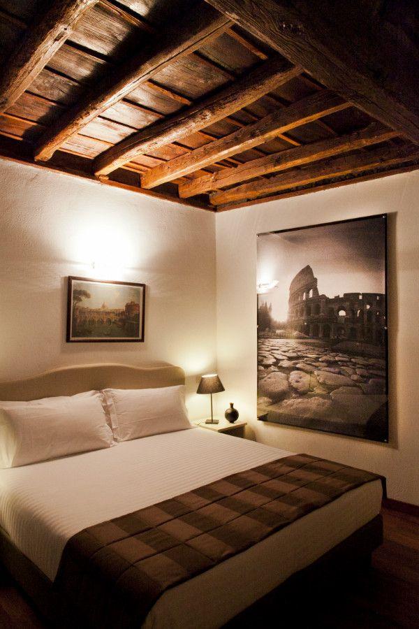 Lovely apartment in via del Teatro Pace, Rome,  for a romantic break http://www.rome4all.com/en/detail_structure/47/apartment-teatro-pace-suite-piazza-navona-