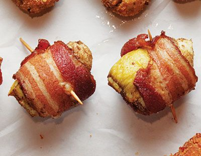 Bacon-Wrapped Artichokes | 101 Bite-Size Party Foods http://www.buzzfeed.com/emofly/101-one-bite-appetizers?sub=1905647_735222