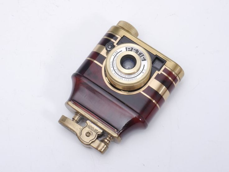 Kunik Petie Lighter Red / Gold - 16mm Subminiature Camera