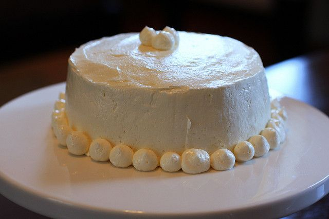 Swiss Buttercream Frosting (not as sweet and smoother than regular ...