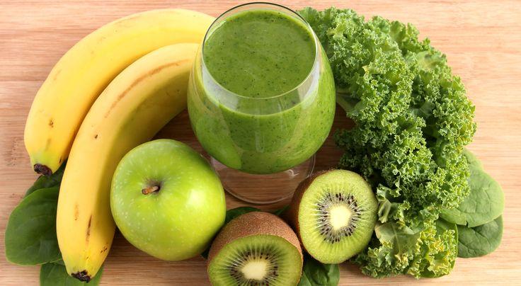 Platano, manzana, kiwi y col rizada: ¿No te gustan los vegetales? Tranquila. La col rizada, llena de vitaminas, minerales y componentes que estimulan el metabolismo, se esconde tras los sabores dulces de las frutas, brindándote todas sus ventajas… ¡Y te dará energía al máximo!