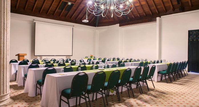 Salón Américo Vespucio. El salón perfecto para las ponencias, exposiciones y convenciones que  necesitas. Solo aquí en #ElHoteldeLasEstrellas.