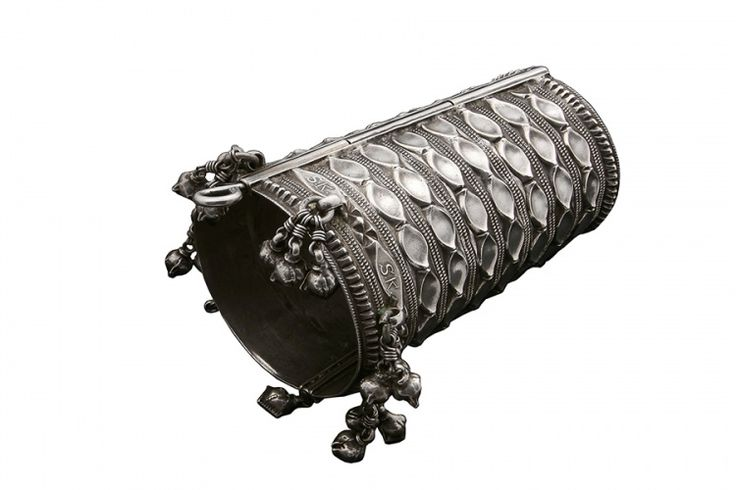 The Hobo Society / Silver wedding cuff - Early 20th Century (India)