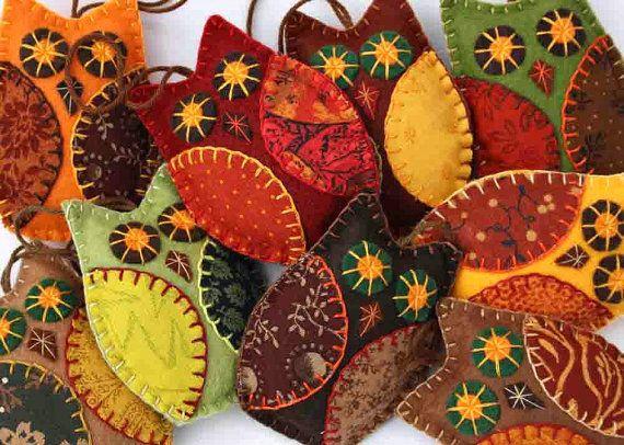 Ornements d'automne Owl, Handmade senti décorations de hibou, décor de l'automne, ornements de hibou Halloween, Set de 3 chouettes pendaison de patchwork.Faveurs de mariage de hibou