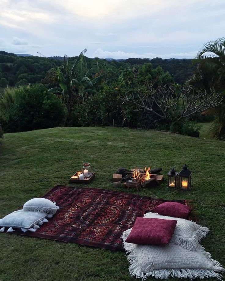 Date night // picnic in the backyard Urban outfitters tapestry throw Pottery barn cushions Spell byron bay cushions Insta: sian_ _ _ _