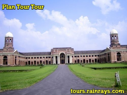Tourist Attraction India: Forest Research Institute Dehradun India