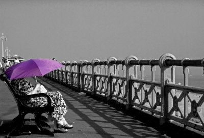 I had a purple umbrella like this once and I left it onthe bus :(