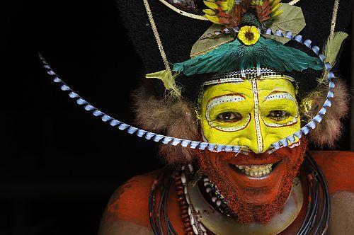 Papouasie-Nouvelle-Guinée, province d'Hela, région de Tari, village de Kobe Dumbiali, Tiawe en parure traditionnelle de la tribu des Hulis  Date prise de vue : 14/08/2012 Crédit : DOZIER Marc / hemis.fr
