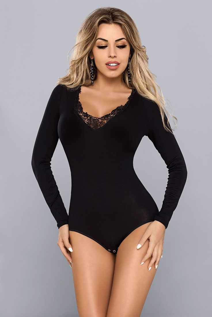 While comfortable, this body is also very elegant and feminine! Created from soft fabric, it comes adorned with opulent embroidery. Long sleeves, snug fit. Practical clasp fastening located in the crotch. Composition: viscose 78% polyester 10% cotton 5% elastane 7% Collection teddy Style Classic Sex Women's Place of closure BOTTOM Type of closure BOTTON