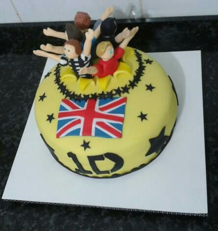 Bolos aniversário One Direction - http://www.boloaniversario.com/bolos-aniversario-one-direction/