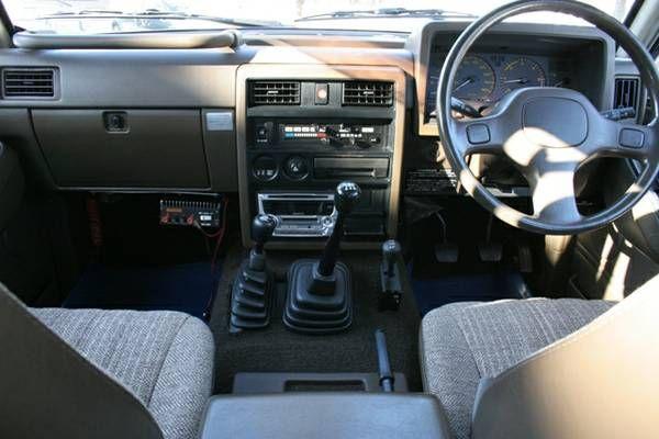 """1988 Nissan Safari """"Granroad"""" (Y60) dash"""