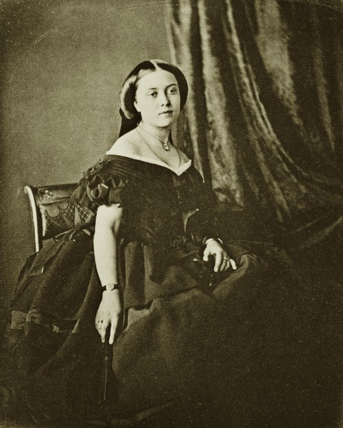 Princess Royal Victoria in her teens. How gorgeous she was! Mids 1850s.