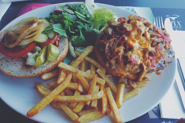 #burger #meal #dinner #lunch #best #salad