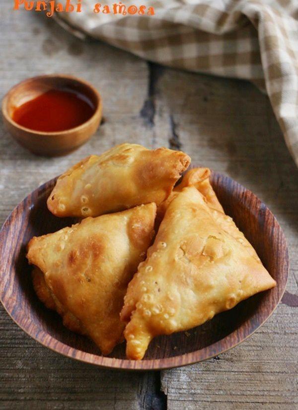 Snack recipe ideas: Punjabi samosa recipe @ http://cookclickndevour.com/samosa-recipe-how-to-make #cookclickndevour #recipeoftheday #snack #vegan
