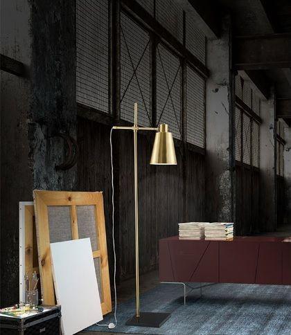 Μοντέρνο #φωτιστικο #δαπεδου φτιαγμένο από μέταλλο με μαρμάρινη βάση. Βρείτε το σε χρυσό ή χάλκινο χρώμα ανάλογα με τις ανάγκες και το γούστο σας. Δείτε λεπτομέρειες: http://kourtakis-lighting.gr/fotistika-floorlights-metal-wood-crystal-fotistika-indoor-diakosmisi/3853-monterno-fotistiko-dapedou-metallo-marmaro-60watt-e27-signore-6270201.html#/134-_-