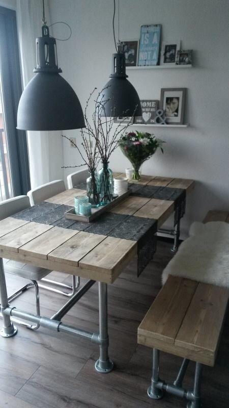 Super tof! Steigerbuizen met houten tafel!