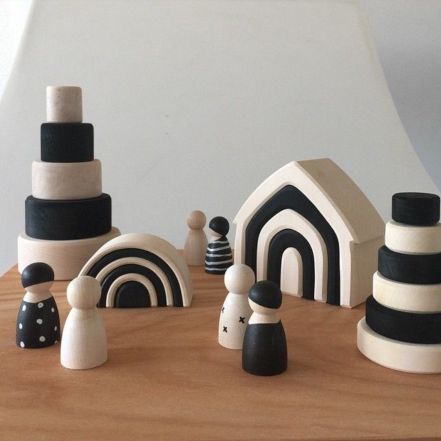 GRIMMS | these amazing wooden toys in black and natural wood are from Grimm's Toys. A German brand with wooden toys. Made by hand, oiled with natural oil and painted with water based paint. These monochrome prototypes are for children with debility of sight