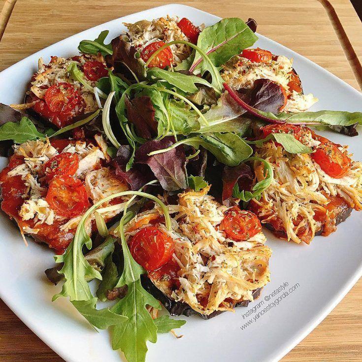 """Berenjenas al horno con tomate y pollo desmechado """"fit"""" - yanoestoygorda"""