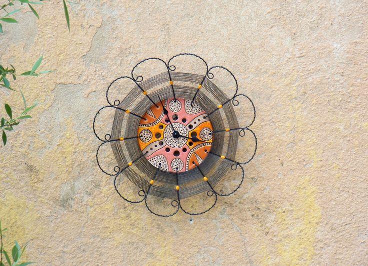 Oranžové. Drátované hodiny. Hodiny jsem vyrobila opletením krásného keramického…