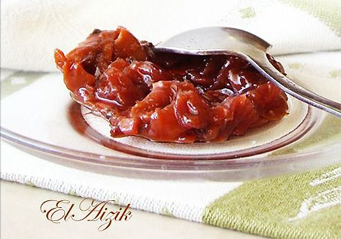 Чатни из слив — универсальный соус. Его можно подать и к мясу, и к птице, и к сыру. Ароматный, в меру острый, красивый. Этот чатниЧатни - это острый и пряный индийский соус-приправа, который делается из смеси овощей и фруктов в разных пропорциях, с добавлением сахара, подкислителя ( уксуса, лимонного сока, тамариндовой пасты) и различных специй. Чатни бывает из свежих овощей и фруктов и варёное. Варёный чатни впервые в Индии стали варить для англичан, и из незрелого манго. Популярность…