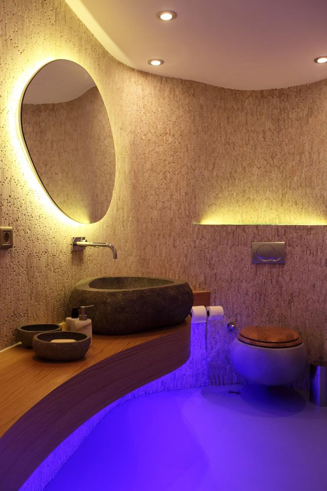Wall mosaics and lava basins! Look at what lighting does! #tiles #bathroom #contemporary - Bauma Antique Bathroom Interior