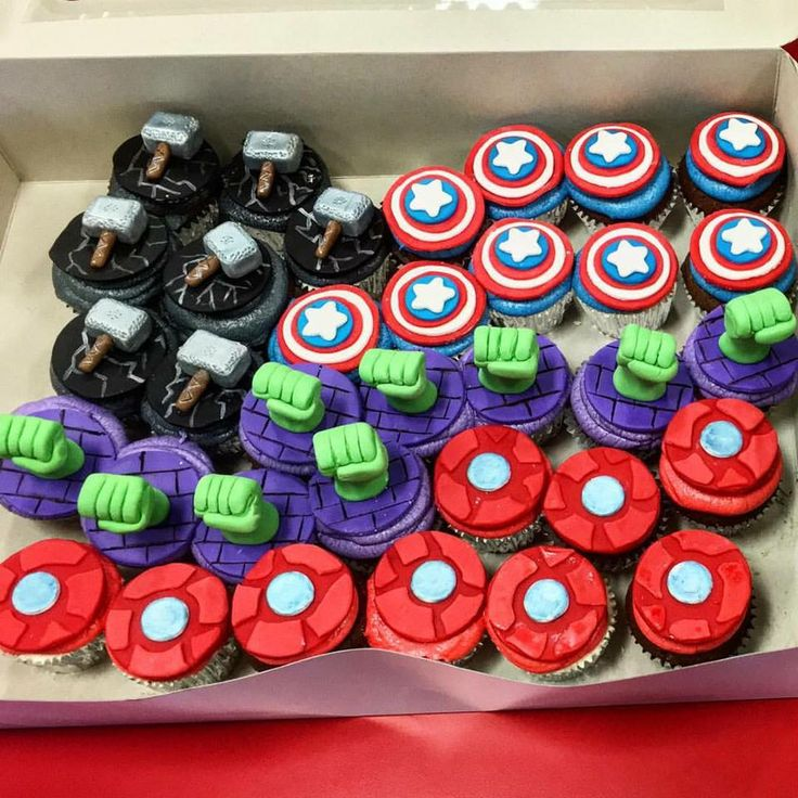 Fist time Avengers cupcakes fondant toppers