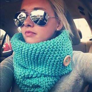 2012-10-09_00 Love this cowl - Chrissy Greene has a pattern on Ravelry. Check it out.