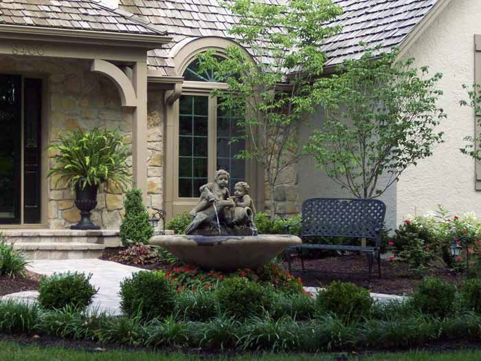 Our expert landscape design team can beautify your yard in the Kansas City area. Call Rosehill Gardens today at (816) 877-9175.