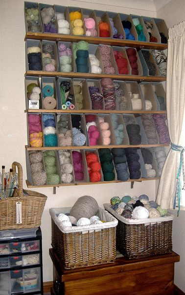 Storing yarn in magazine holders: Ideas, Crafts Rooms, Cereal Boxes, Magazines Holders, Yarns Storage, Craftroom, Yarnstorag, Yarn Storage, Magazine Holders