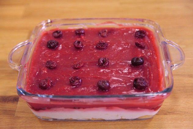 Bir kere tarifi uyguladıktan sonra sizden sürekli olarak istenecek oldukça lezzetli ve yapımı bir o kadar pratik olan bir tatlı tarifidir.