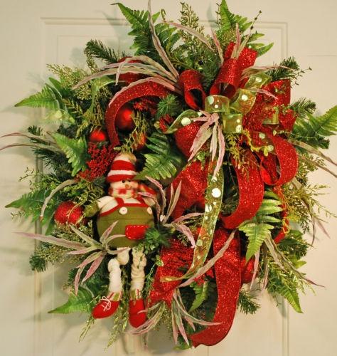 elves at christmas christmas wreaths for sale pinterest. Black Bedroom Furniture Sets. Home Design Ideas