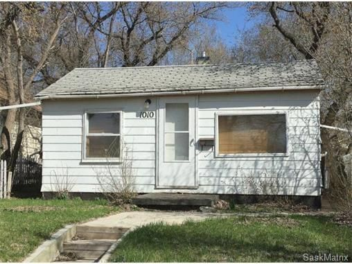 Great Revenue Potential.   580 Square Foot home located in a quiet neighborhood in the desirable Palliser area.  Close to many public schools and just a short walk to Poly Tech a.k.a. (SIAST).  Property could use a bit of TLC,  had previously rented for $700 per month which was enough to cover payments and taxes (APV).
