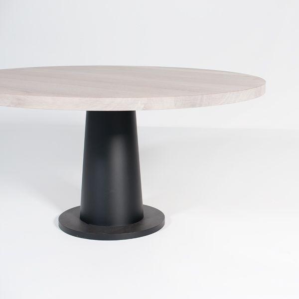 KOPS table round, metal base |