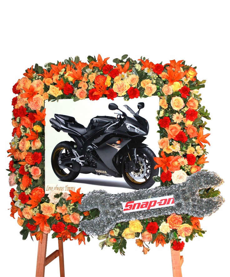 commemorate your loved one with this beautiful floral frame.