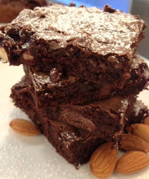 Dá pra resistir? Brownie de chocolate do Edu Guedes http://r7.com/PVRY