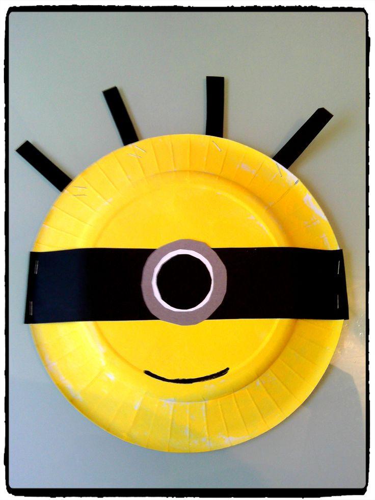 un minion en assiette en carton bricolage enfant avec les enfants pinterest recherche. Black Bedroom Furniture Sets. Home Design Ideas