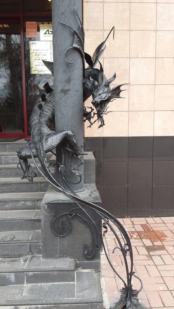 Ничего необычного, просто вход в банк дракон, банк, вход, Великий Новгород, длиннопост