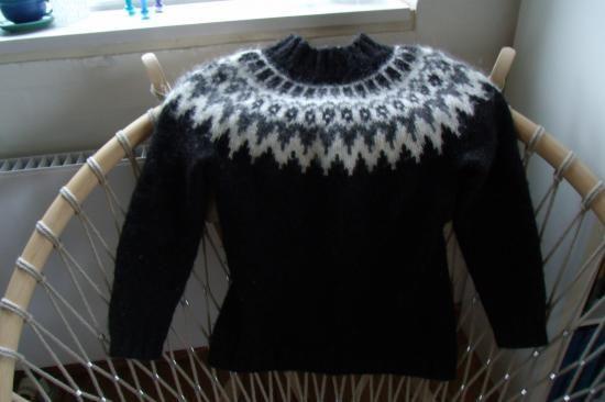 Varm Islandsk sweater i alafoss lopi