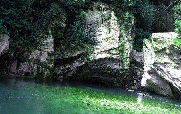 Le Guje di Garavot in Valchiusella: tuffi, immersioni e relax nel verde del canavese
