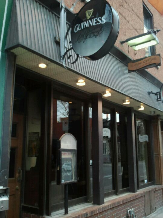 Ye Olde Orchard Pub & Grill in Montreal, QC