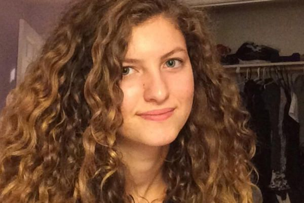 Although many people with curly hair struggle with too much volume, fine curlies face the opposite problem.